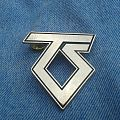 Twisted Sister pin badges