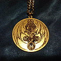 "hetroertzen ""coat of arms"" medallion"