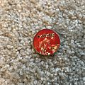 Iron Maiden s/t red/gold prism Pin / Badge