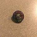 Legacy of the Beast Blinkie pin Pin / Badge