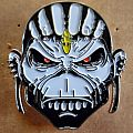 Iron Maiden - Pin / Badge - Iron Maiden new shaped metal  pin badge speld  5 x 5 cm n3