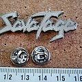 Van Halen - Pin / Badge - Savatage  shaped speld pin badge   n3