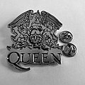 Queen shaped pin speld badge n5