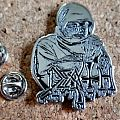 Death metal shaped pin speld  badge new no2