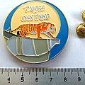 Tygers of Pan Tang shaped pin speld badge    n2