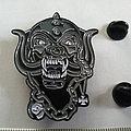 Motorhead shaped metal pin speld badge  n9