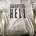 Daughters tee size M
