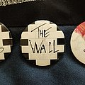 Pink Floyd - Pin / Badge - Pink Floyd - The Wall - Earls Court 1981 badges