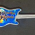 Iron Maiden - Pin / Badge - Guitar shaped pin