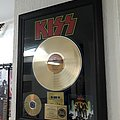 Kiss-Love Gun Gold Vinyl Tape / Vinyl / CD / Recording etc