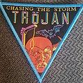 Tröjan - Patch - Trojan chasing the storm blue border triangle patch
