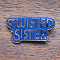 Twisted Sister - Pin / Badge - TWISTED SISTER logo early 1980s enameled pin