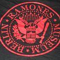 "TShirt or Longsleeve - RAMONES ""MUSEUM BERLIN/CJ AMERICAN PUNK"" band shirts plus hardcover books"