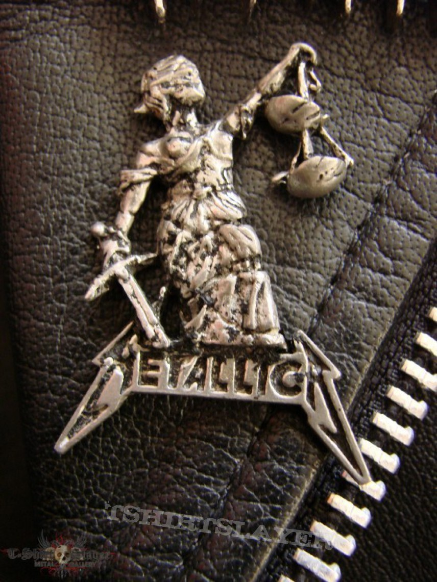 """Other Collectable - METALLICA """"...And Justice For All"""" official Pin Badge"""