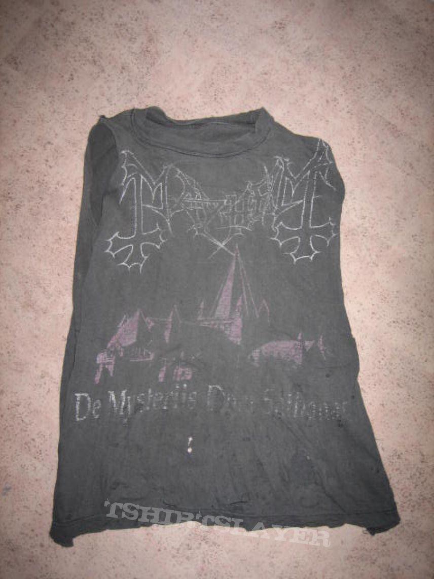 De Mysteriis dom Sathanas shirt