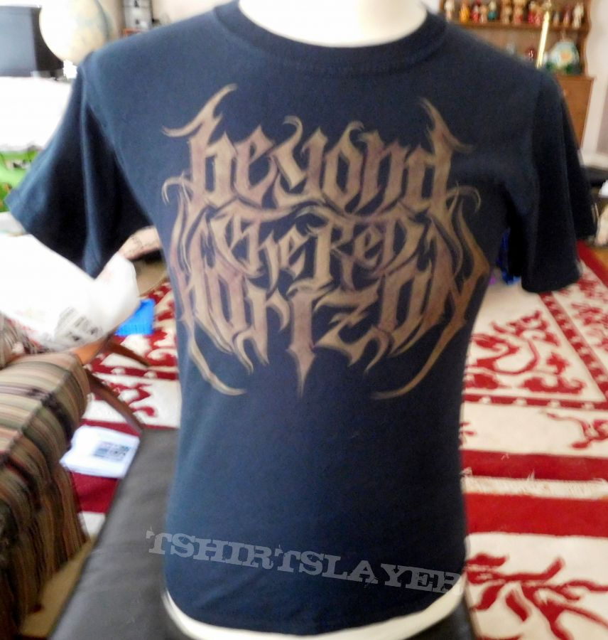 BEYOND THE RED HORIZON 2 Sided Shirt - M - We Own The Night