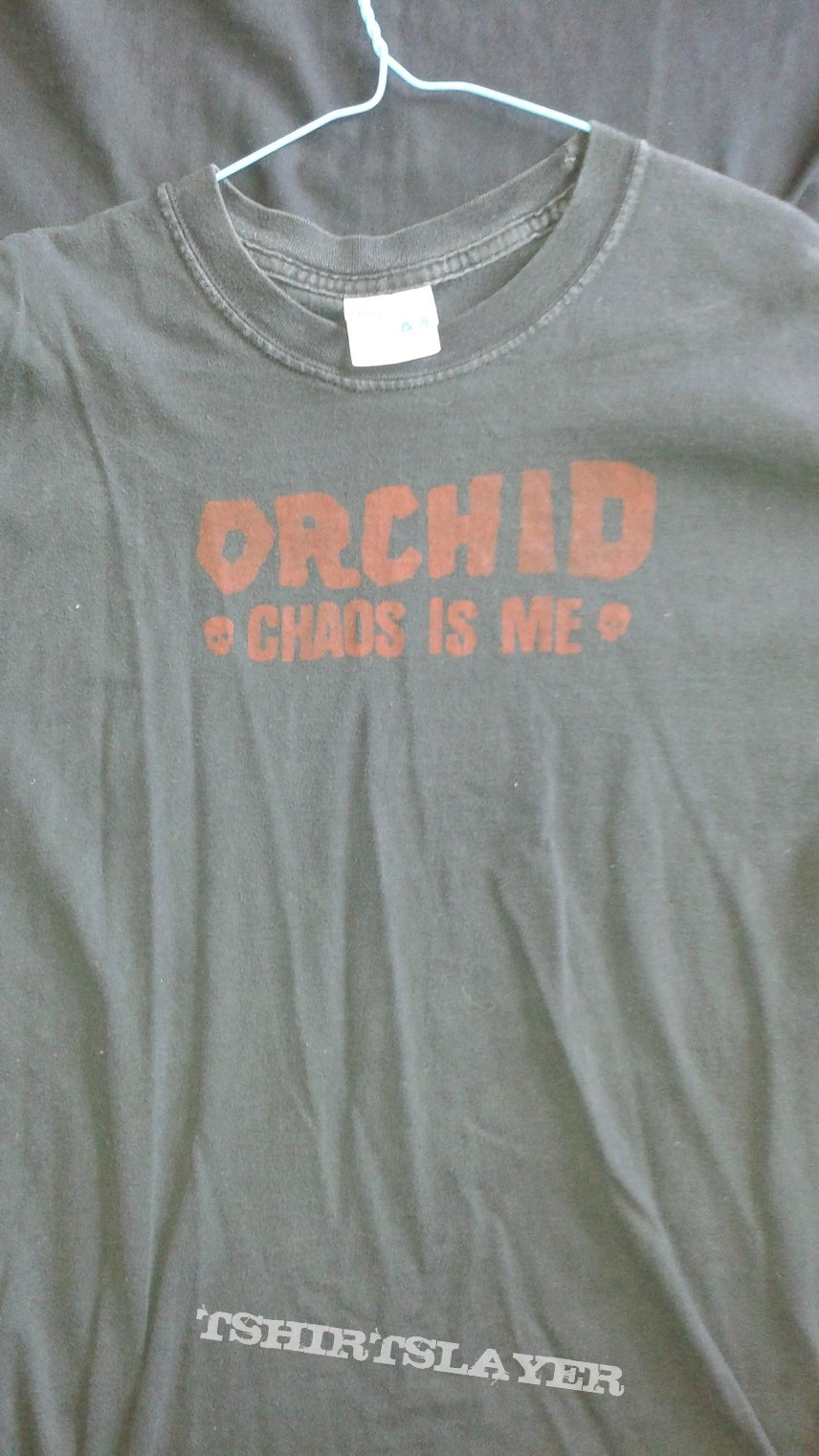 """Orchid """"Chaos is Me"""" t-shirt."""