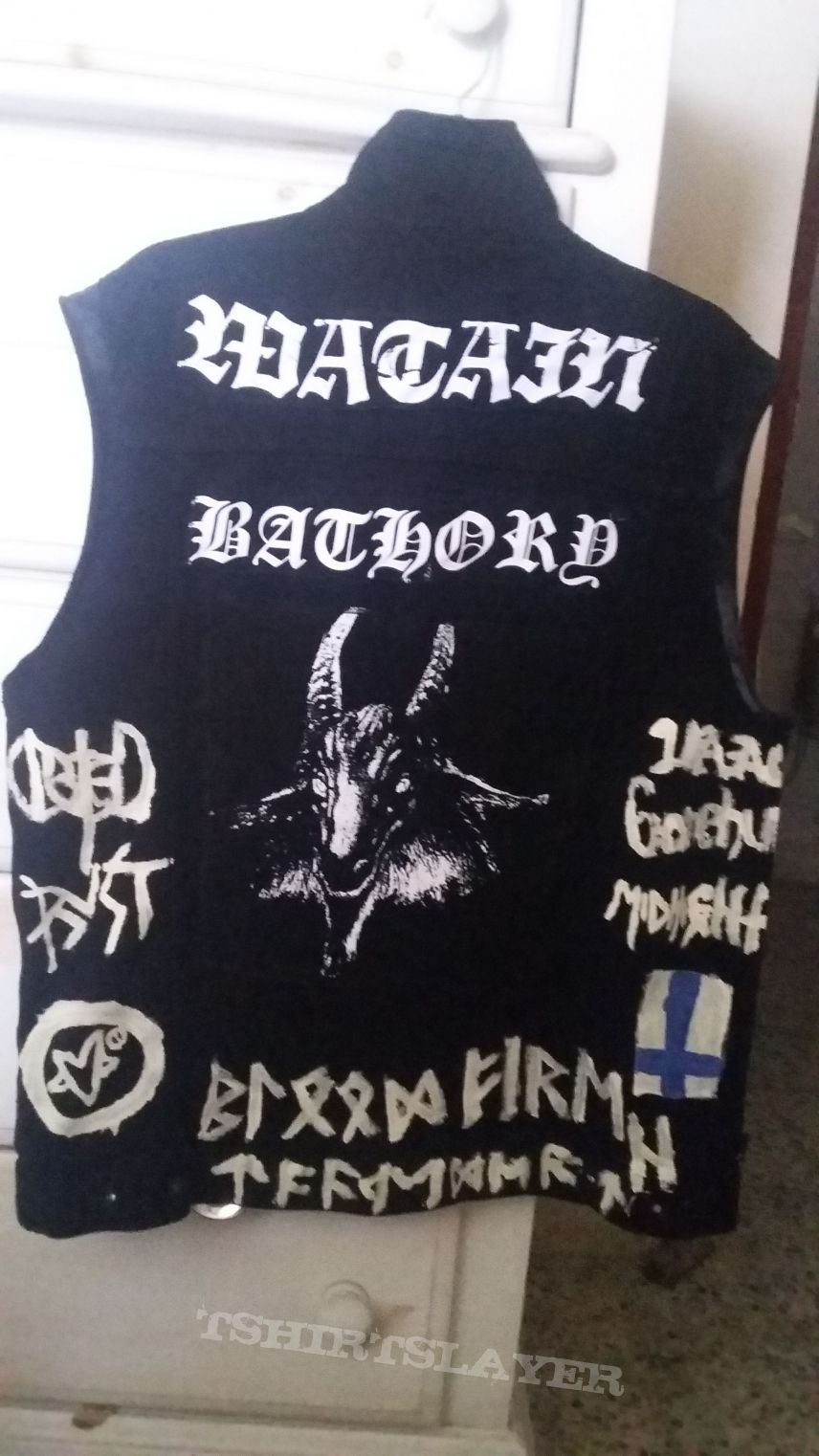 My Black Metal jacket is completed.