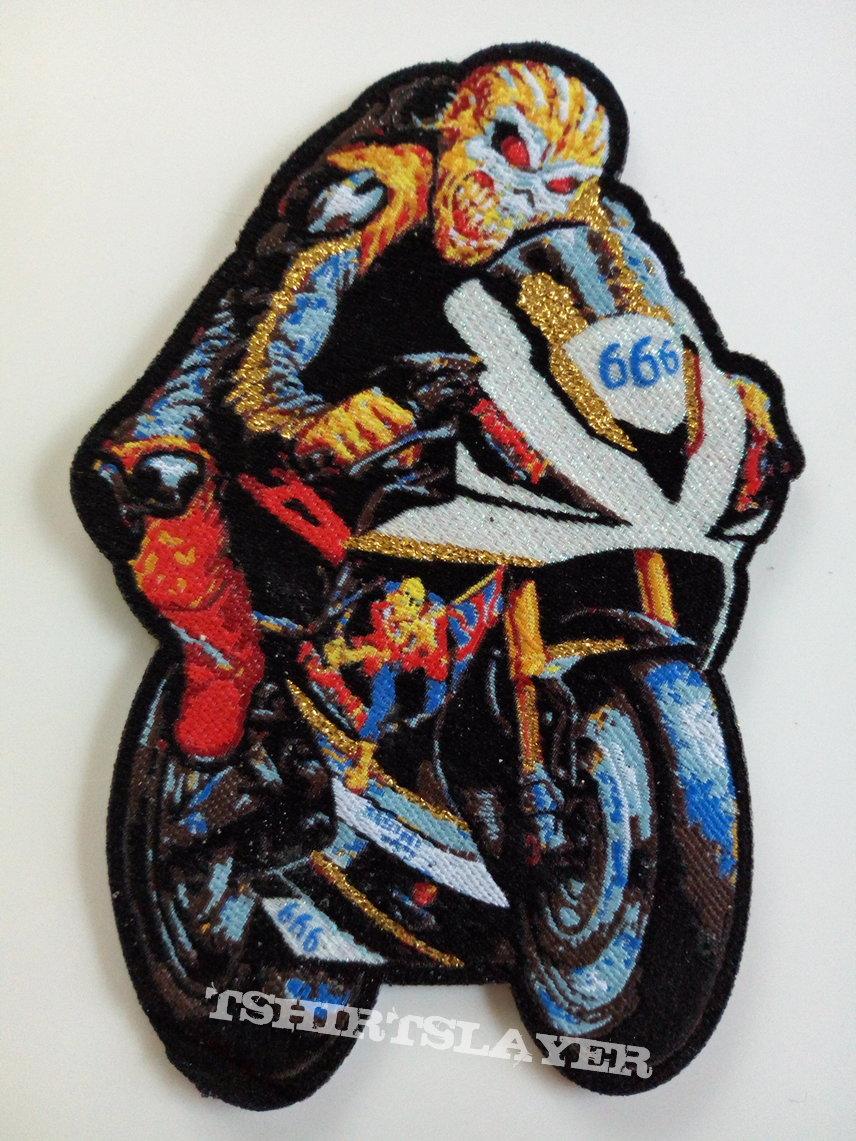 Iron Maiden   ltd shaped  patch 313 + gold print nieuw
