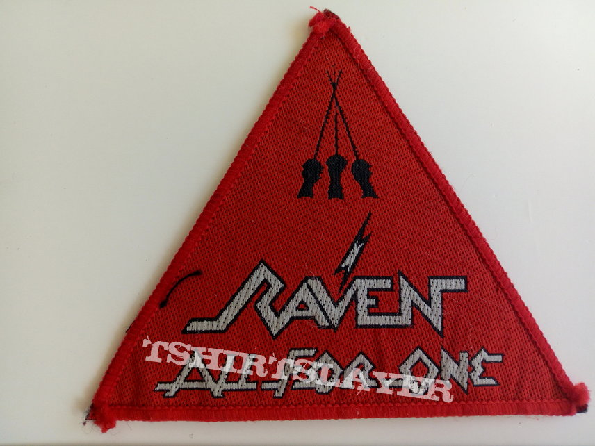 Raven all for one 1983 patch r133 red border