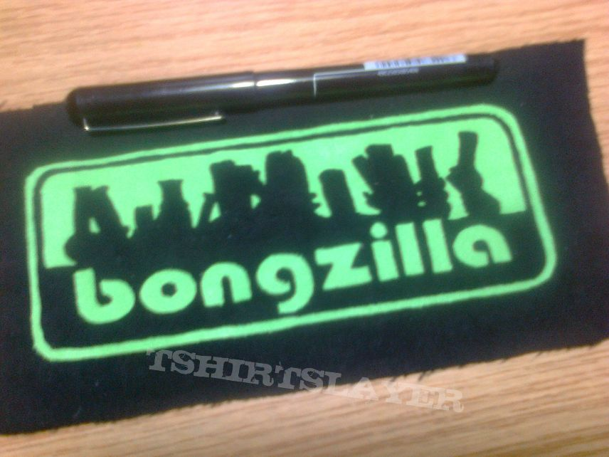 d.i.y. hand painted bongzilla patch