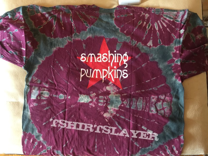 "The Smashing Pumpkins ""Star"" (tie-dyed) shirt / Size: XL"