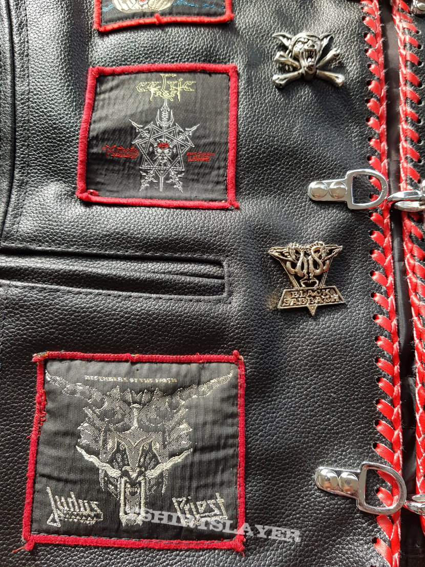 Red borders and leather - forever!!