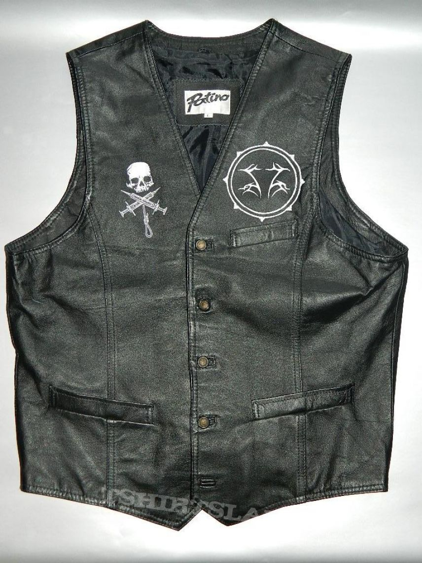 Shining leather vest