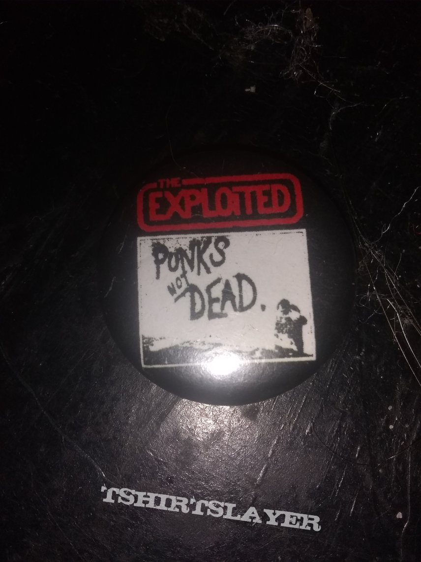 The exploited punks not dead button