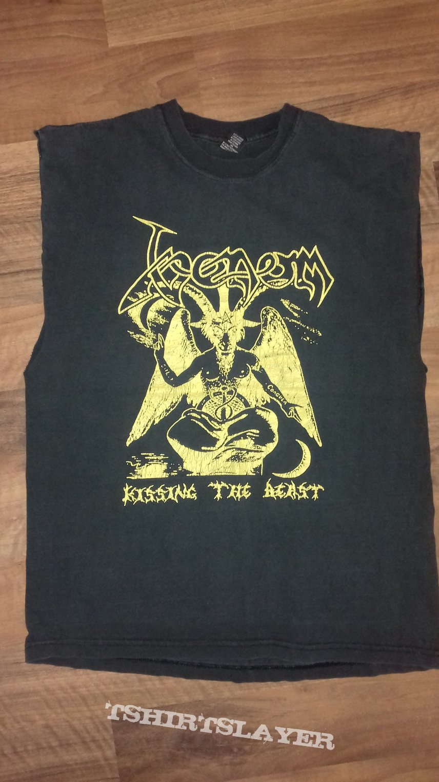 Vintage Venom - Kissing the Beast shirt