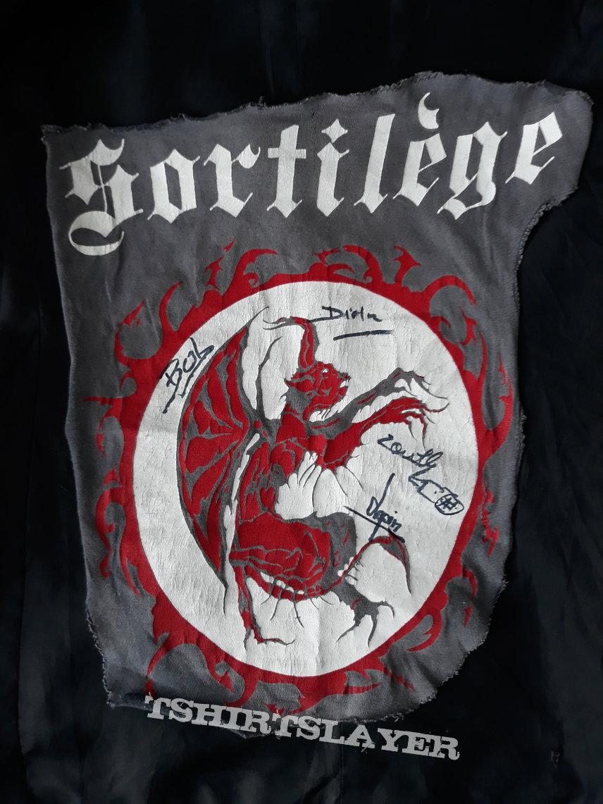 Sortilège first ever shirt cutout