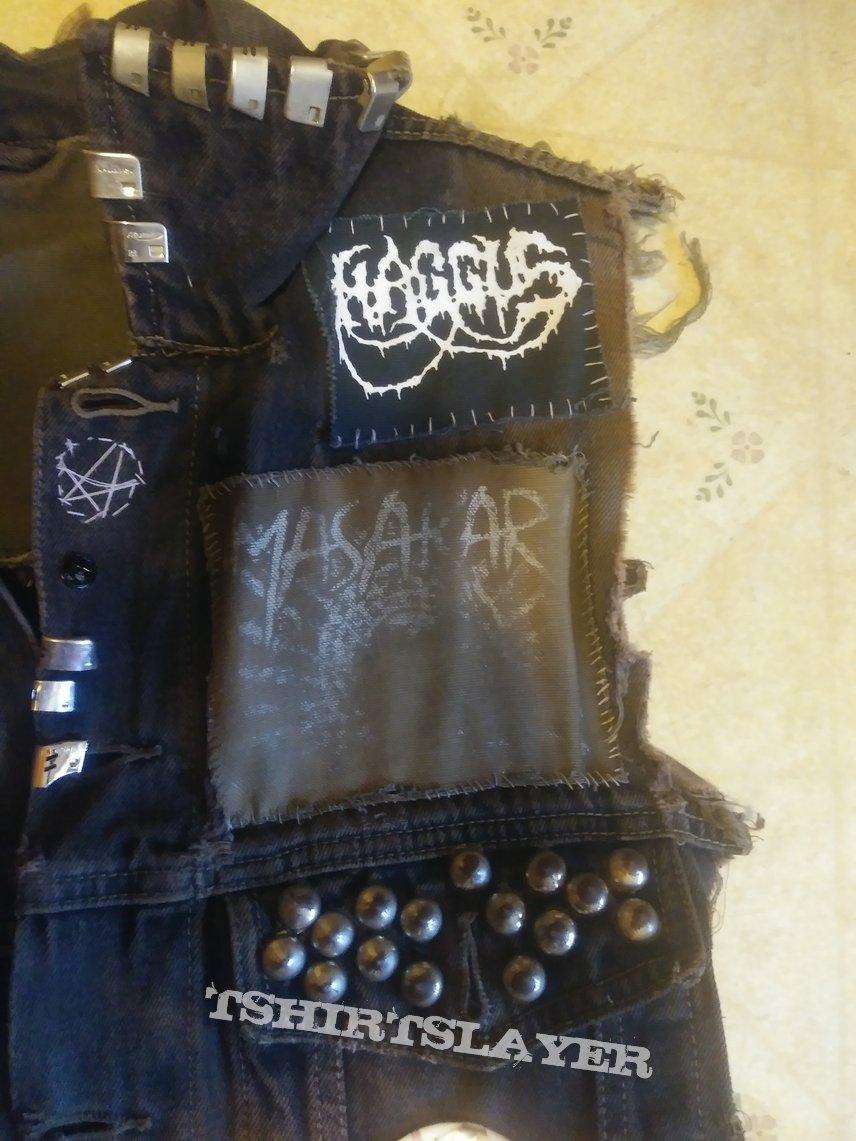10+ year old battle vest (won't let it die)