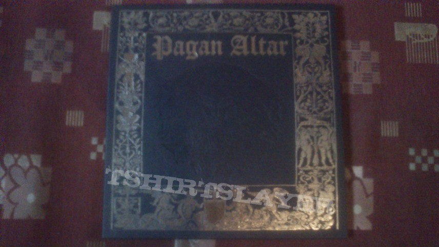 Other Collectable - US stuff + a piece of Pagan Altar