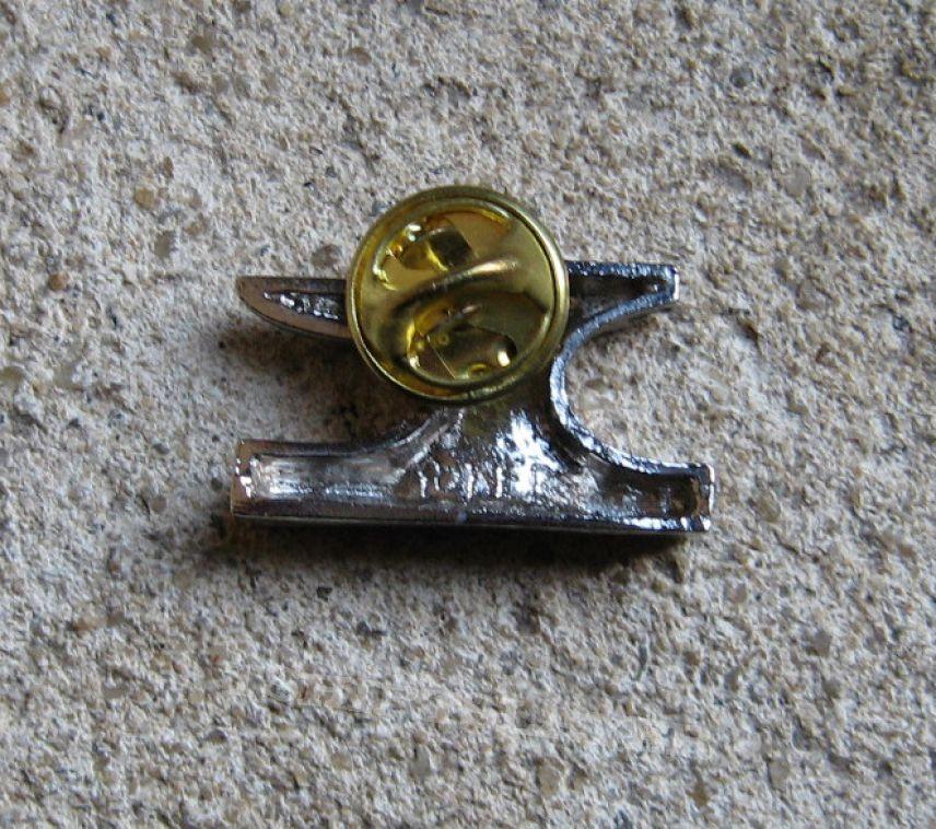 ANVIL Metal On Metal vintage tin / pewter cast pin back badge