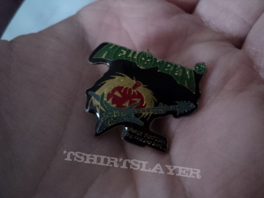 Other Collectable - Helloween 'Savage Pumpkins' pin.