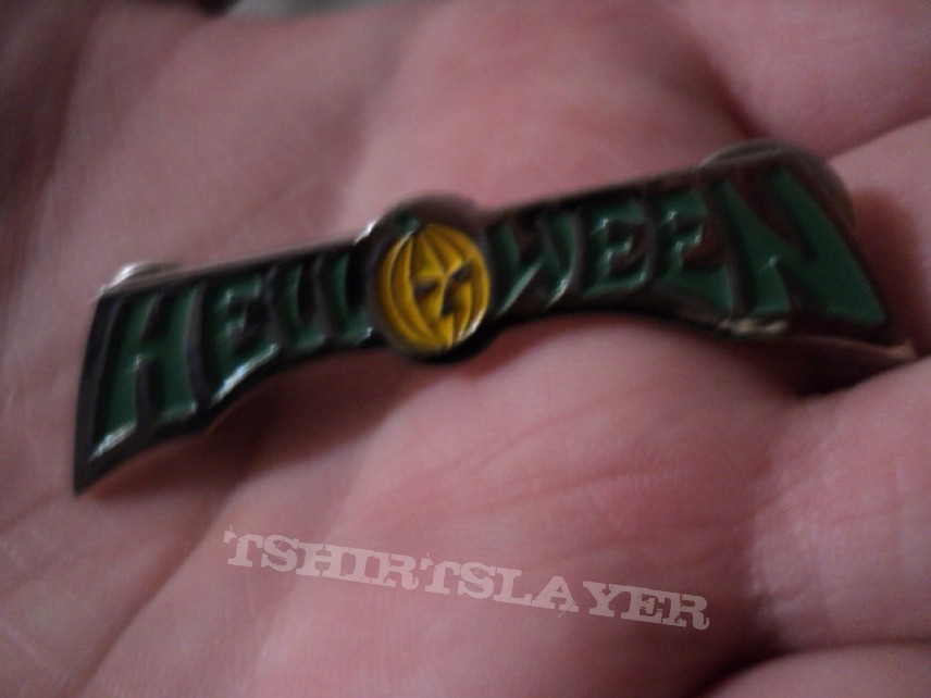 Other Collectable - Helloween pins.
