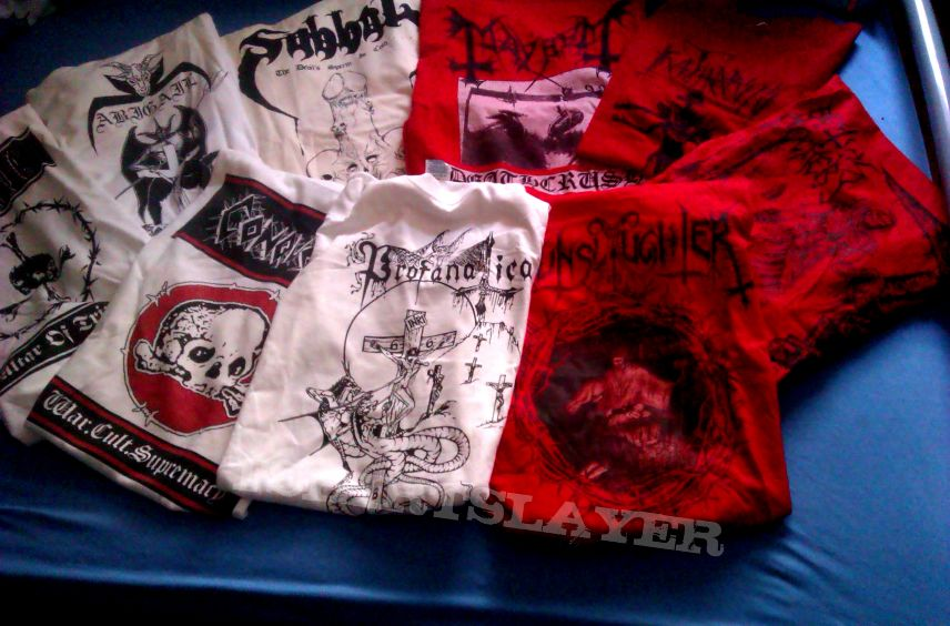 Red/white shirts