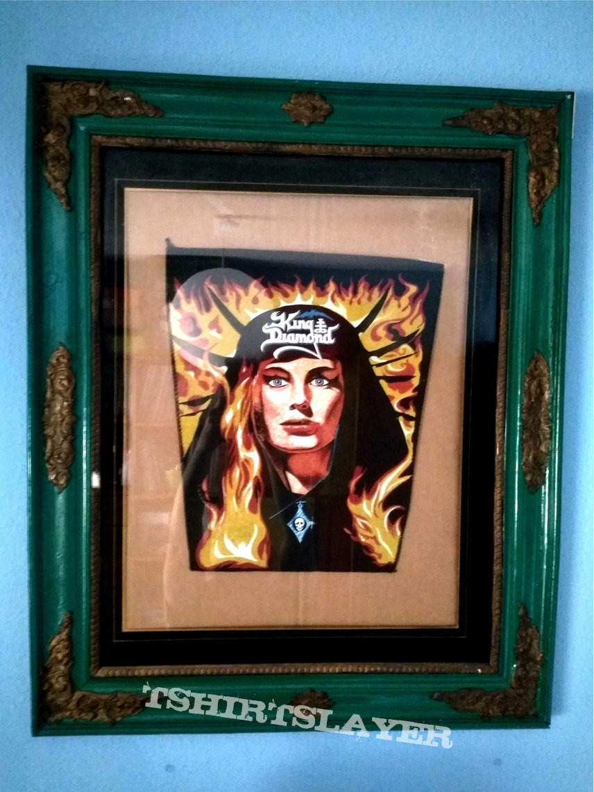 Fatal Portrait Pendant on cool frame