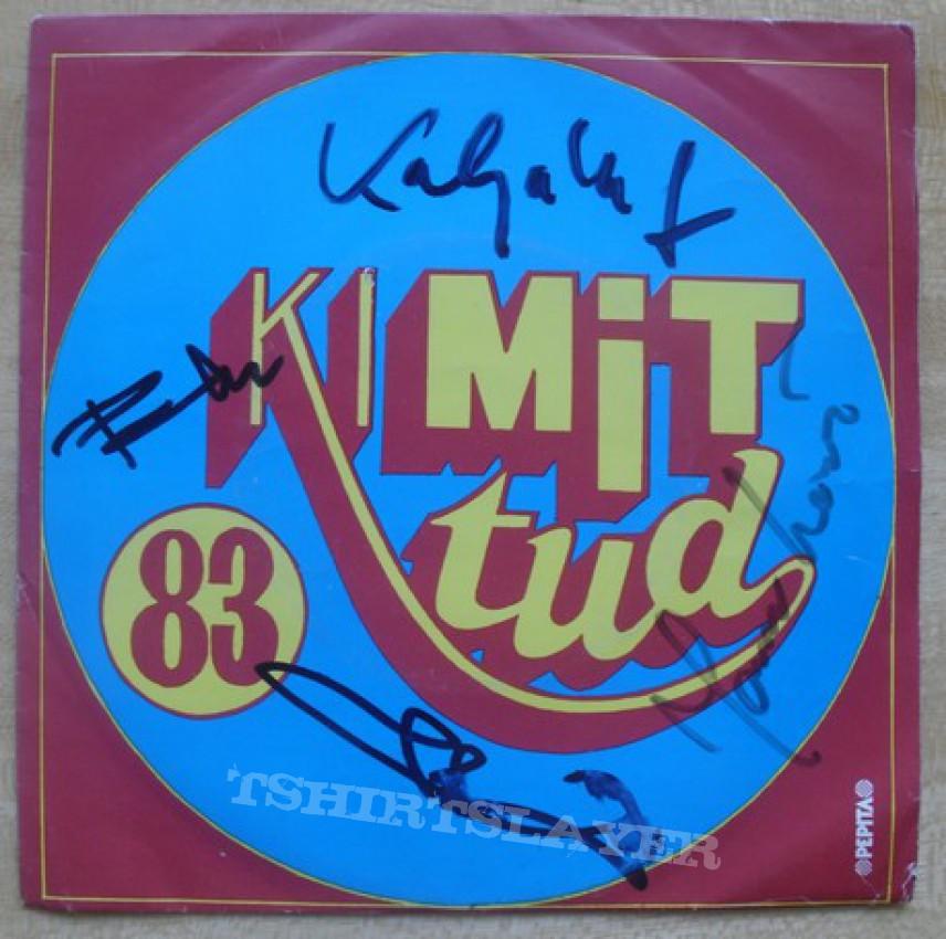 POKOLGEP two 7 inch vinyls signed all member