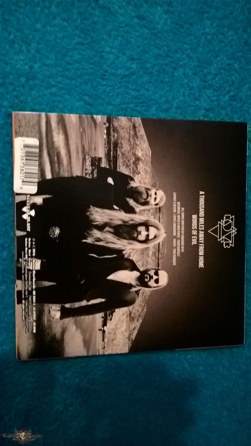 Kadavar – A Thousand Miles Away From Home / Words Of Evil   Vinyl