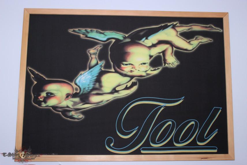 Tool framed flag