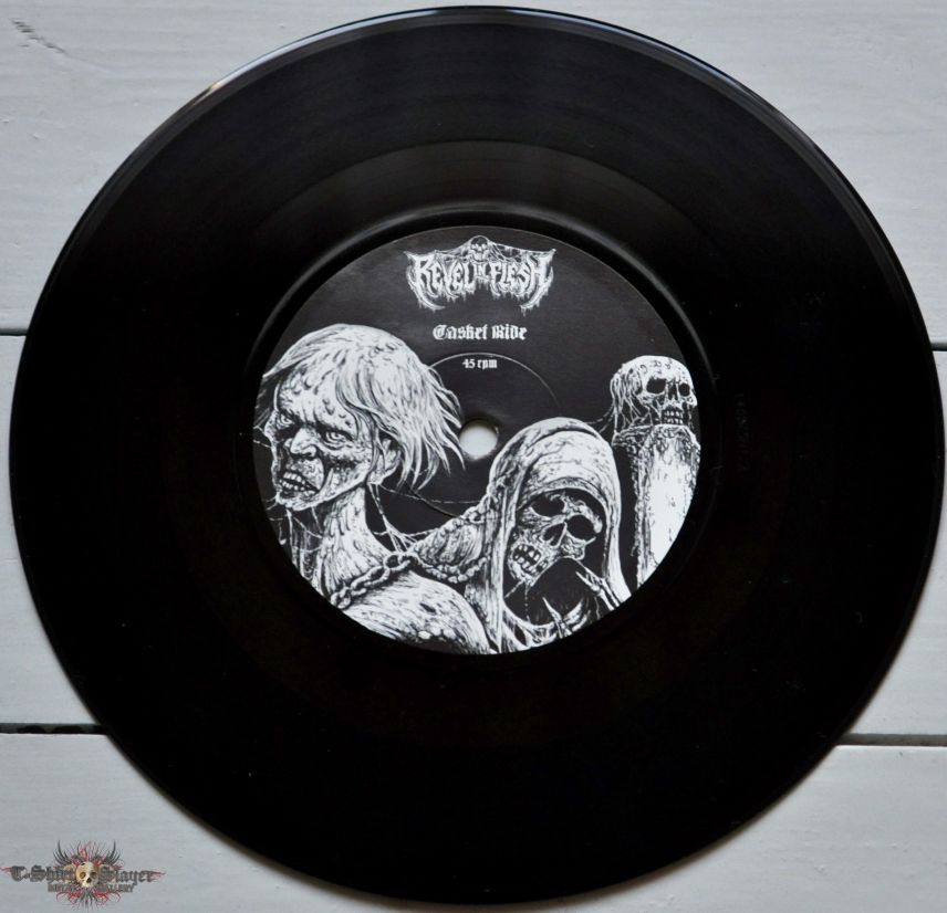 """Revel In Flesh / Wombbath – Dragged Into The Obscure 7"""" Vinyl"""