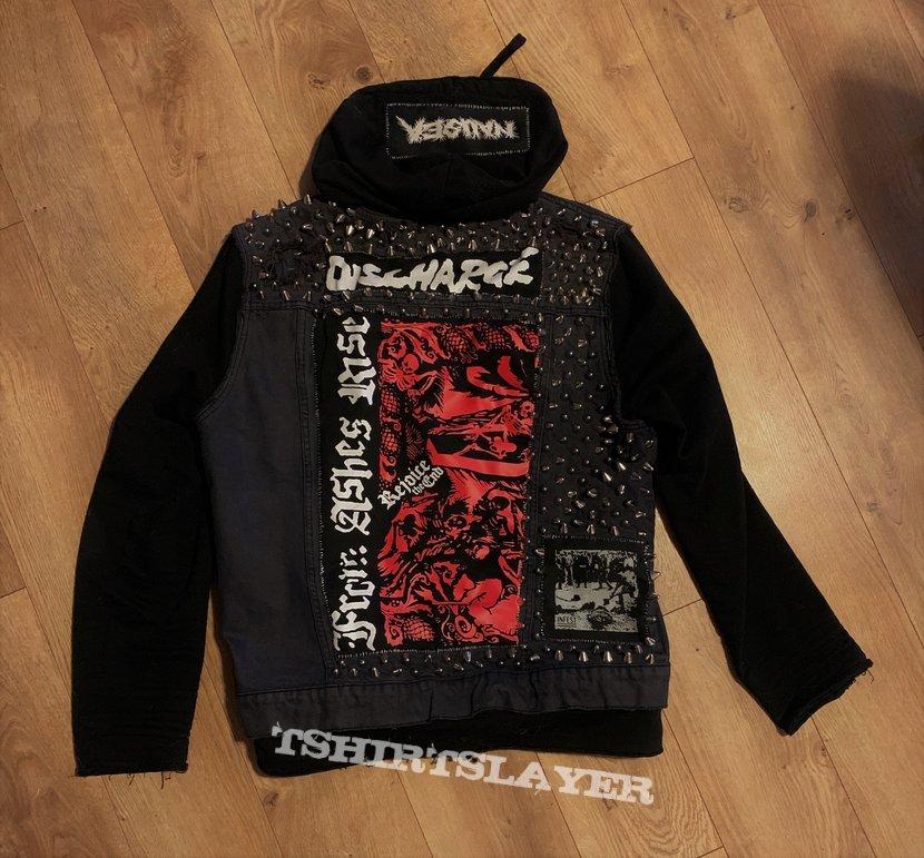 Crust/d-beat Vest (Sewn in hoodie)
