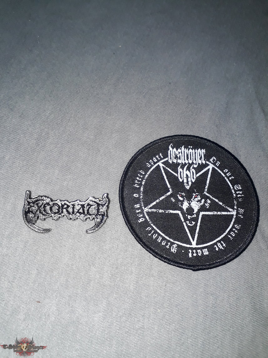 Excoriate Pin and Deströyer 666 Patch