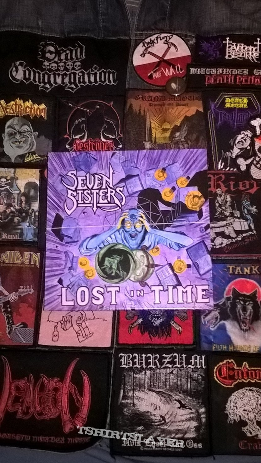"""Seven Sisters - Lost in Time 7""""/Demon Bitch - Death is Hanging"""