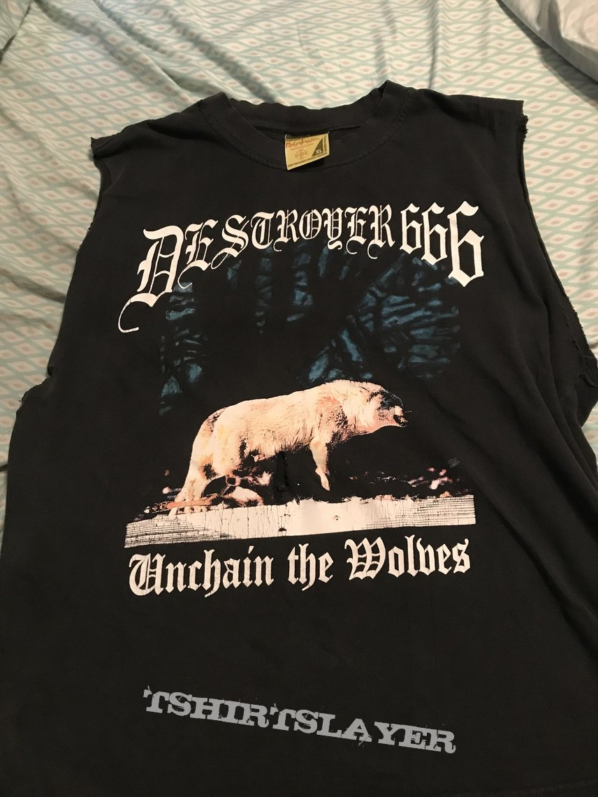 Destroyer 666 - Unchain the Wolves shirt